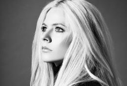 Avril Lavigne New Single 'Head Above Water'