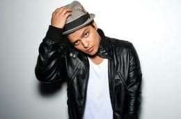 "Bruno Mars Unveils Extra ""The Moonshine Jungle Tour"" UK Dates - Tickets"